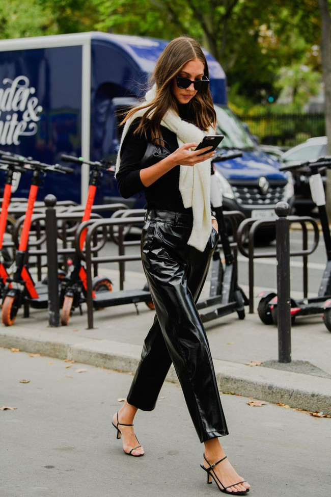 Ngắm street style tại Tuần lễ thời trang Paris, nàng công sở cũng rút ra được vô số tips mix đồ cho mùa mới  - Ảnh 11.
