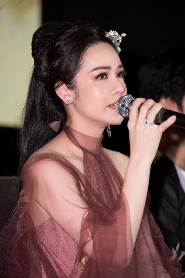 Lý Phương Châu vỗ mặt chồng cũ Nhật Kim Anh: Người đàn ông nào đánh mất chị thì mới là bạc phận - Ảnh 1.