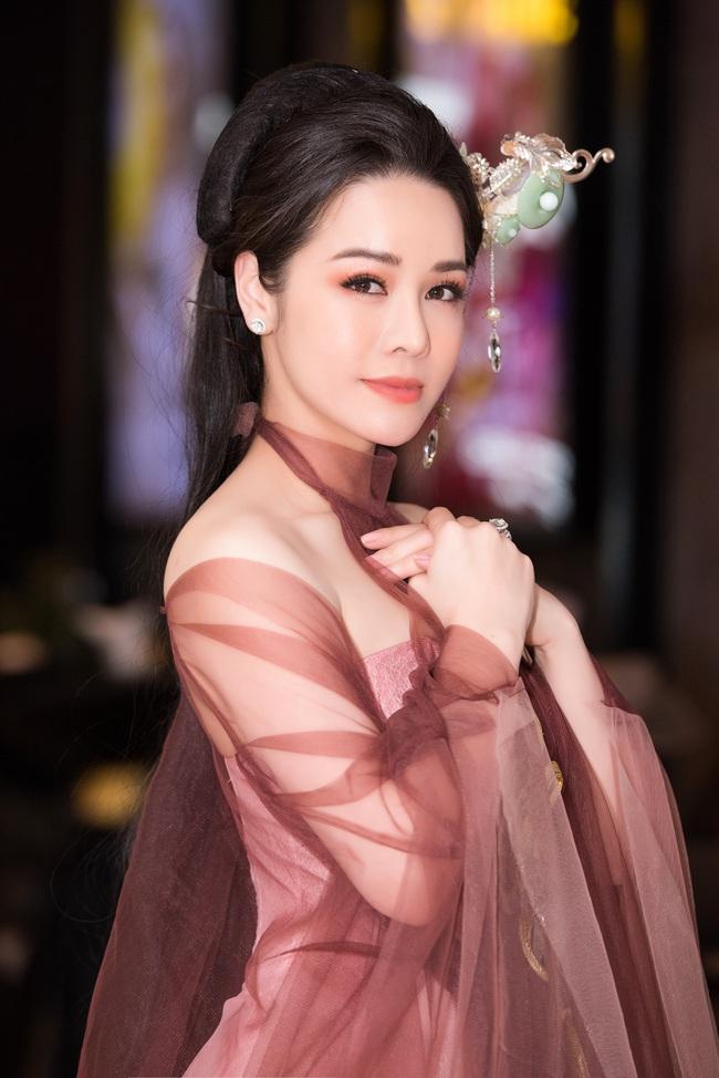 Lý Phương Châu vỗ mặt chồng cũ Nhật Kim Anh: Người đàn ông nào đánh mất chị thì mới là bạc phận - Ảnh 4.