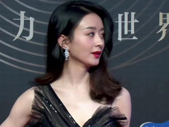 Đêm hội Weibo 2019: Loạt mỹ nhân đình đám bị chê lên chê xuống vì loạt ảnh chưa qua chỉnh sửa - Ảnh 9.