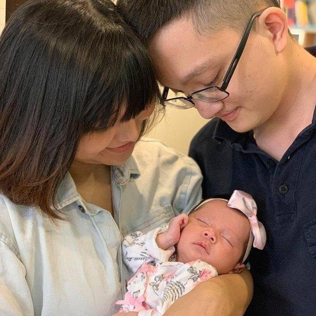 Cận cảnh gương mặt đáng yêu của cô cháu gái, nhân tố giúp giảm nỗi buồn rạn nứt của cặp nghệ sĩ Chí Trung – Ngọc Huyền - Ảnh 2.