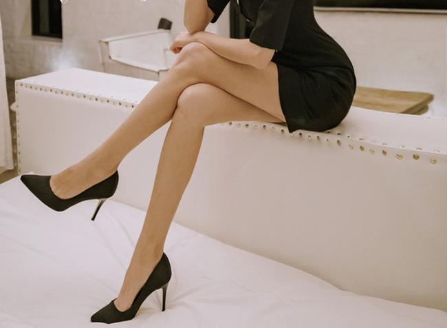 Chàng công sở bối rối cả ngày vì sếp nữ ăn mặc quá gợi cảm và những lưu ý về phục trang khi đi làm của chị em - Ảnh 2.