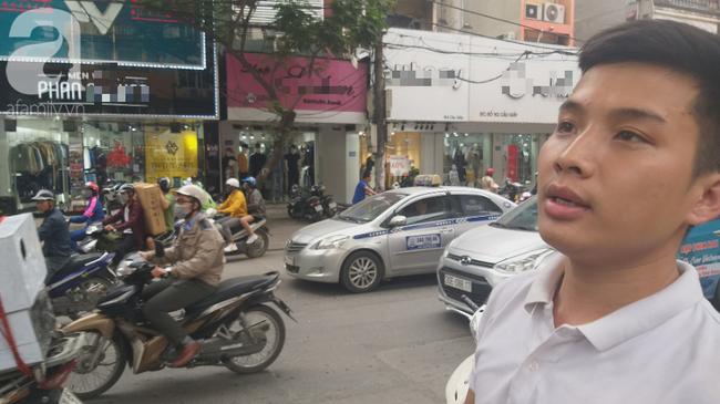 Hà Nội: Nam thanh niên quỳ lạy khi bị tóm vì trộm xe máy xong đi ngược chiều - Ảnh 5.