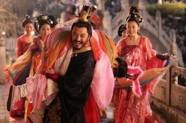 Vị hoàng hậu trong lịch sử Trung Hoa vì quá xinh đẹp mà bị con trai ép trở thành phi, sau cùng tự sát vì không chịu được sự phỉ báng - Ảnh 1.