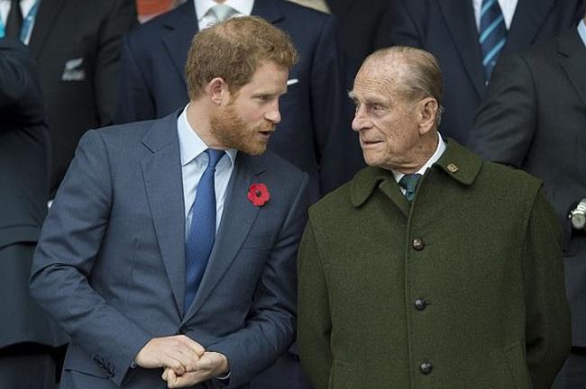 Lý do thực sự khiến Hoàng tử Harry chống lại cả gia đình, nhanh chóng muốn đi theo Meghan Markle rời khỏi quê hương - Ảnh 3.