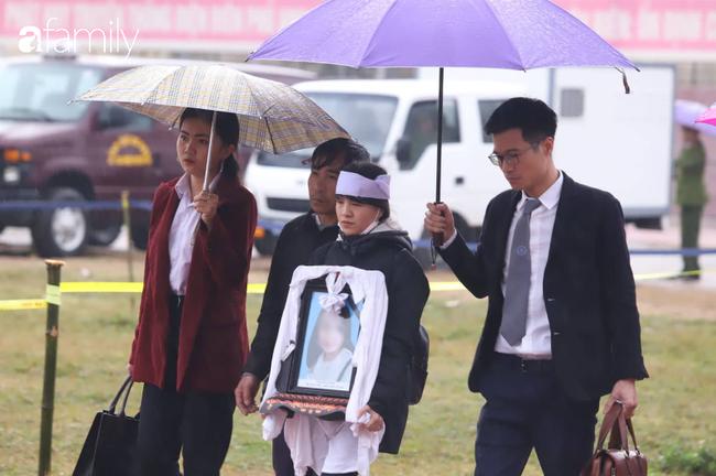 Vụ nữ sinh giao gà bị sát hại ở Điện Biên: Gia đình nạn nhân  kháng cáo, bất ngờ xin không tử hình cả 6 bị cáo. - Ảnh 1.