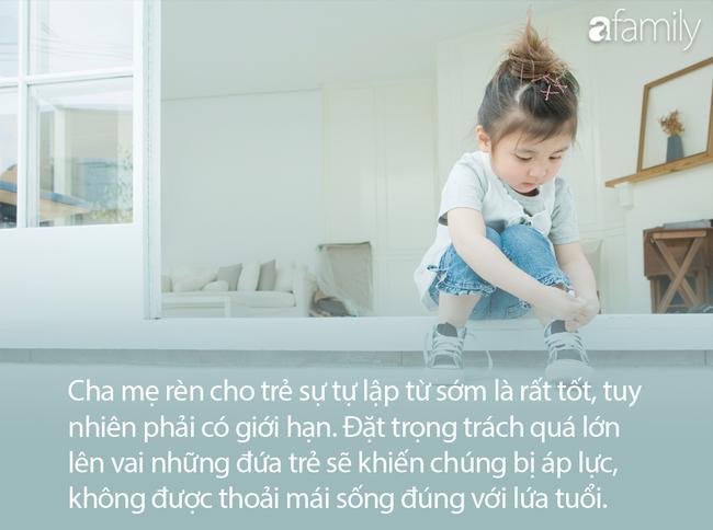 Bé gái 5 tuổi ngồi ngồi im lặng bên hàng ghế trong bệnh viện, y tá đến hỏi thì nhận được câu trả lời đầy xót xa - Ảnh 4.
