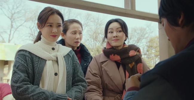 Khôn như Son Ye Jin: Cầm cố nhẫn Chaumet được trả có 2.8 triệu tiền mặt, không sao, chị sẽ đổi lấy đồng hồ 300 triệu tặng Hyun Bin - Ảnh 4.