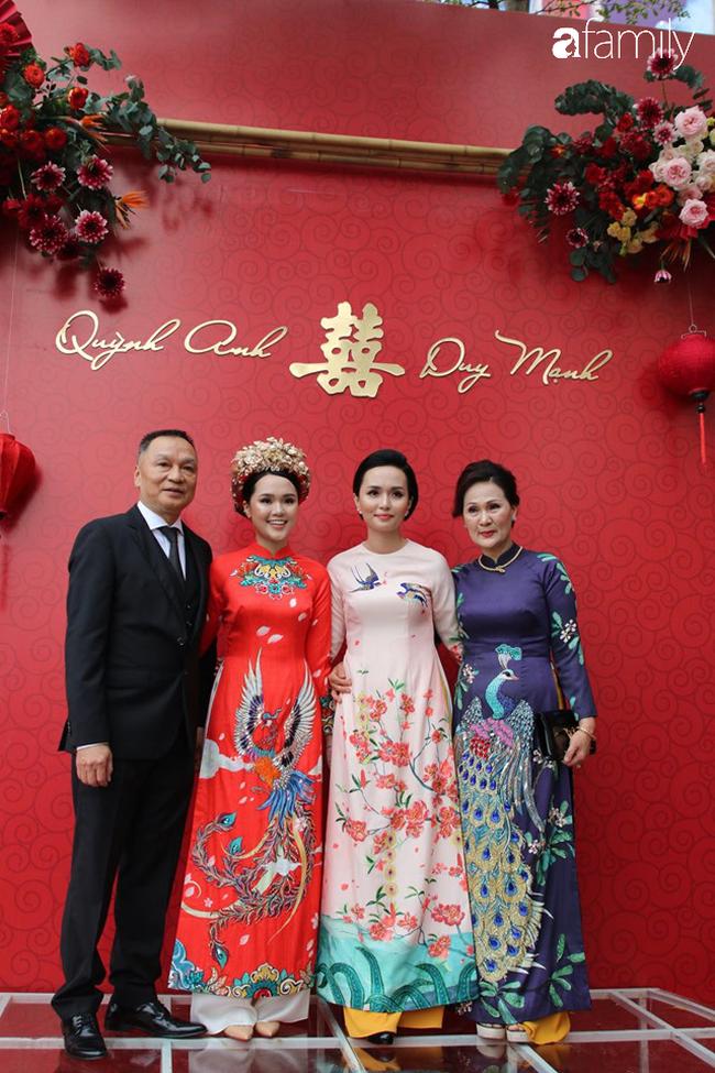 Duy Mạnh hớn hở đến đón cô dâu Quỳnh Anh, thay 2 bộ áo dài đến đón nàng hot girl xinh đẹp lộng lẫy - Ảnh 4.
