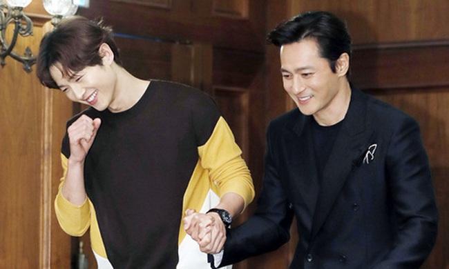 """Giữa lúc chồng cũ Song Joong Ki vướng nghi vấn """"tìm gái mua vui"""" cùng Jang Dong Gun, Song Hye Kyo đã có phản ứng này - Ảnh 2."""