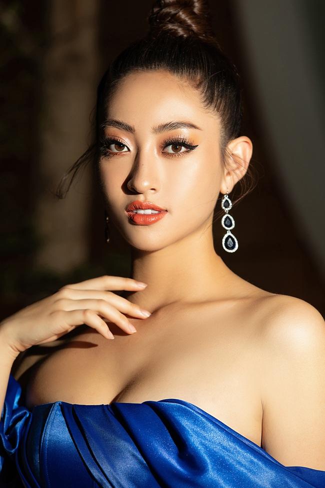 """3 nàng Hậu Mỹ Linh - Tiểu Vy - Thùy Linh diện váy xẻ """"thót tim"""", khoe nhan sắc đỉnh cao trong một khuôn hình - Ảnh 6."""