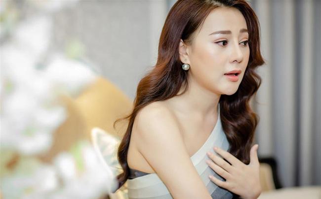 """Toàn là trai xinh gái đẹp của showbiz Việt nhưng khán giả vẫn phải hoảng hồn trước những khoảnh khắc """"đơ như tượng"""" của loạt sao này - Ảnh 6."""