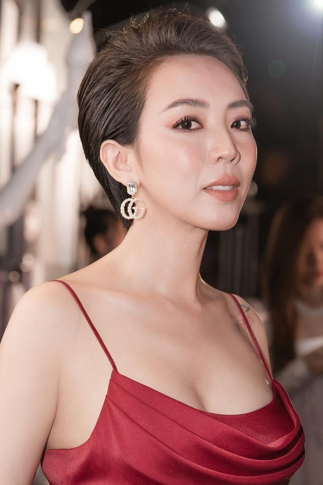 """""""Đôi mắt âm dương"""": Thu Trang nhắn nhủ Trường Giang khi phim Tết chưa qua kiểm duyệt, sắp mất 22 tỷ  - Ảnh 2."""