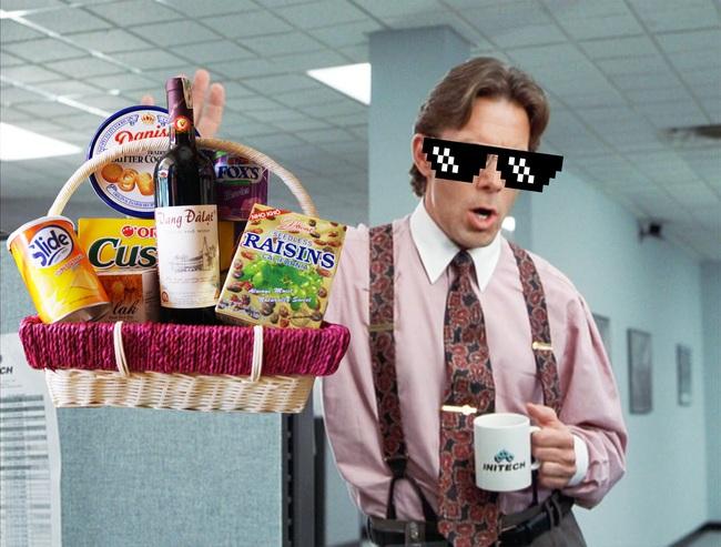 Đối tác gửi hơn chục phần quà Tết, sếp chẳng chia cho nhân viên mà còn dõng dạc: Cứ mang hết để nhà anh! - Ảnh 2.