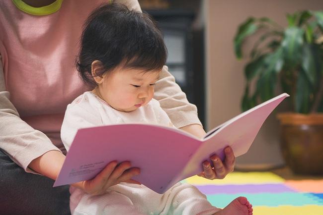 20 mốc phát triển của trẻ theo từng độ tuổi và giai đoạn, cha mẹ rất nên chú ý đến - Ảnh 10.