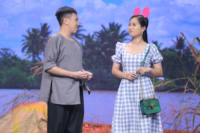 Hoa hậu Hoàn vũ Khánh Vân lần đầu mang vương miện tiền tỷ đầy kim cương lên sân khấu - Ảnh 6.