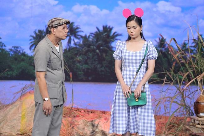 Hoa hậu Hoàn vũ Khánh Vân lần đầu mang vương miện tiền tỷ đầy kim cương lên sân khấu - Ảnh 9.