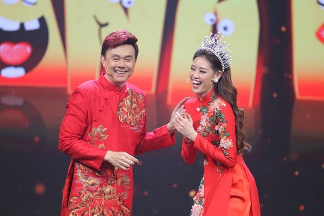 Hoa hậu Hoàn vũ Khánh Vân lần đầu mang vương miện tiền tỷ đầy kim cương lên sân khấu - Ảnh 3.