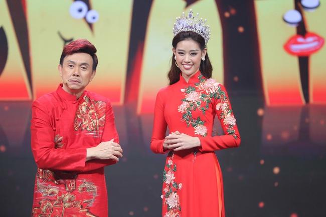 Hoa hậu Hoàn vũ Khánh Vân lần đầu mang vương miện tiền tỷ đầy kim cương lên sân khấu - Ảnh 4.