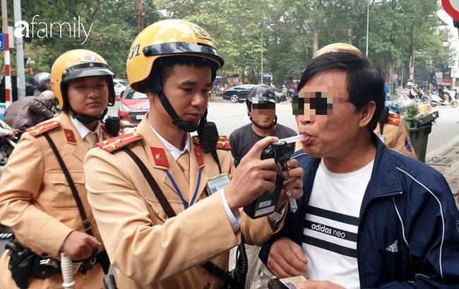Hà Nội: Uống 2 chén rượu bị phạt gần chục triệu, tạm giữ giấy phép lái xe 7 ngày - Ảnh 4.