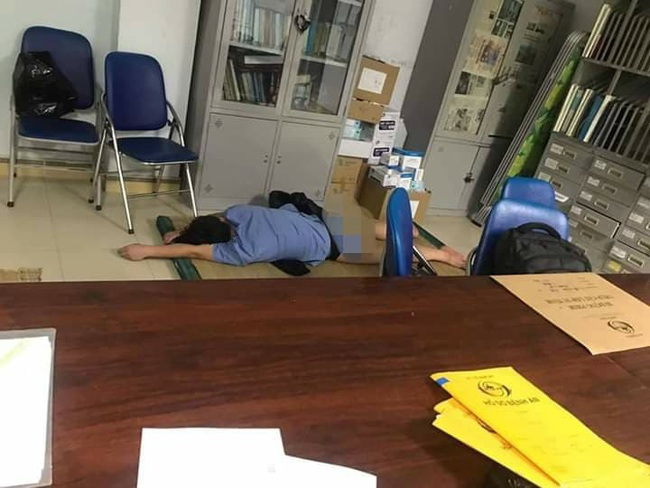 Nghệ An: Xác minh thông tin bác sĩ ôm sinh viên thực tập ngủ trong ca trực - Ảnh 2.
