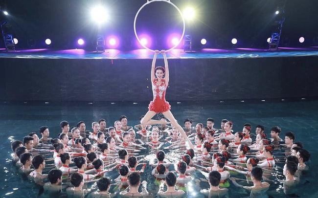 Top 4 Gala mừng xuân hoành tráng của Trung Quốc quy tụ hàng trăm nghệ sĩ không thể bỏ lỡ - Ảnh 10.