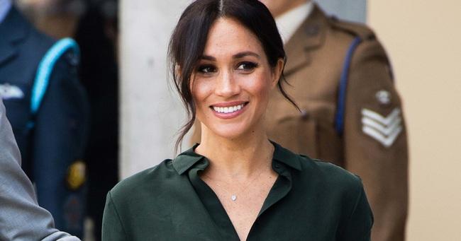 Meghan Markle là người duy nhất thấy vui khi rời khỏi hoàng gia nhưng tên gọi mới của cô lại không khác gì phụ nữ ly dị chồng - Ảnh 2.