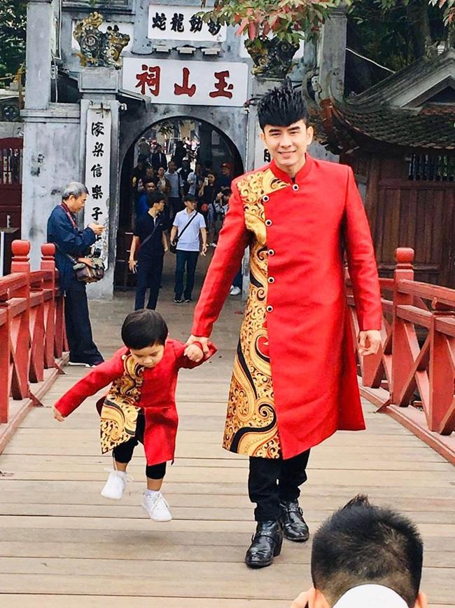 Khi các nhóc tì nhà sao Việt diện áo dài đón Tết: Con gái Hà Anh siê nhí nhảnh, quý từ nhà Đan Trường chững chạc thấy rõ - Ảnh 7.