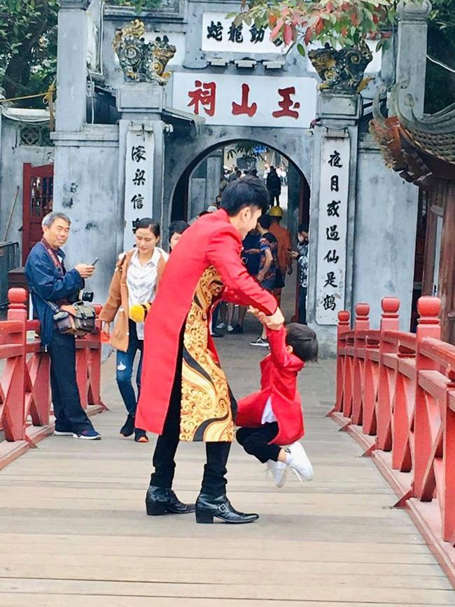 Khi các nhóc tì nhà sao Việt diện áo dài đón Tết: Con gái Hà Anh siê nhí nhảnh, quý từ nhà Đan Trường chững chạc thấy rõ - Ảnh 8.