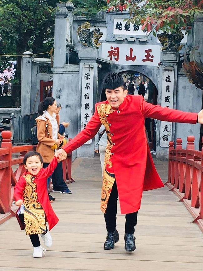 Khi các nhóc tì nhà sao Việt diện áo dài đón Tết: Con gái Hà Anh siê nhí nhảnh, quý từ nhà Đan Trường chững chạc thấy rõ - Ảnh 9.