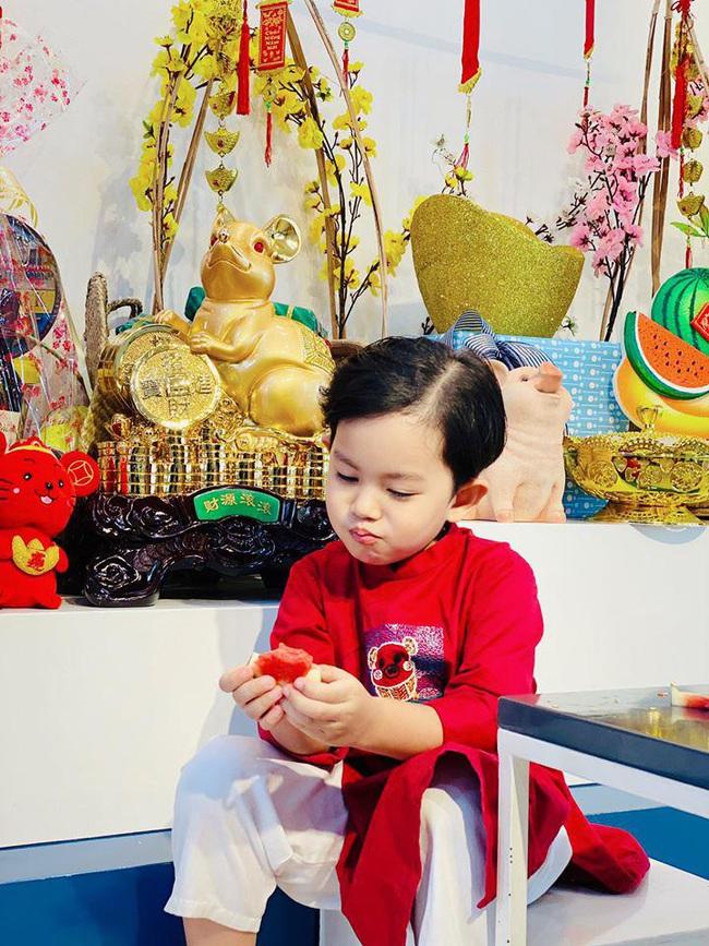 Khi các nhóc tì nhà sao Việt diện áo dài đón Tết: Con gái Hà Anh siê nhí nhảnh, quý từ nhà Đan Trường chững chạc thấy rõ - Ảnh 13.