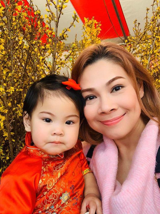 Khi các nhóc tì nhà sao Việt diện áo dài đón Tết: Con gái Hà Anh siê nhí nhảnh, quý từ nhà Đan Trường chững chạc thấy rõ - Ảnh 11.