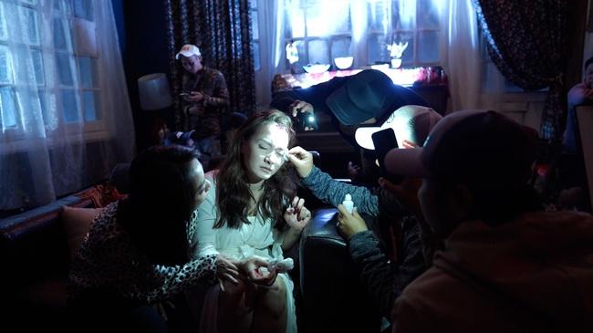 """""""Đôi mắt âm dương"""": Thu Trang bị Bảo Thanh đập vào đầu, sợ không dám đi ngủ vì tự nói chuyện một mình - Ảnh 6."""