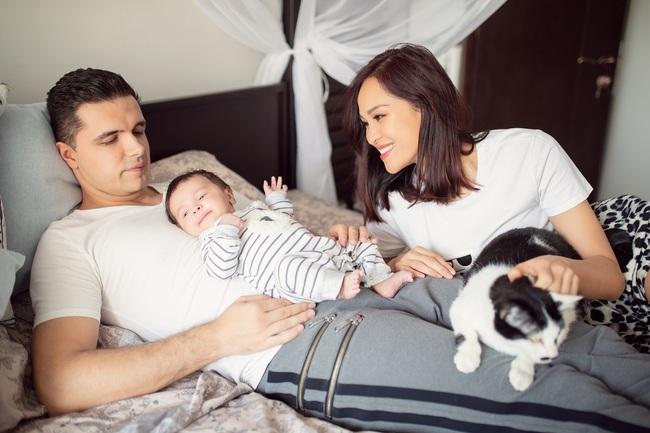 """MC Phương Mai hạnh phúc khoe con trai càng lớn càng có nét giống mẹ, nên không bị chê là """"đẻ thuê""""  - Ảnh 3."""