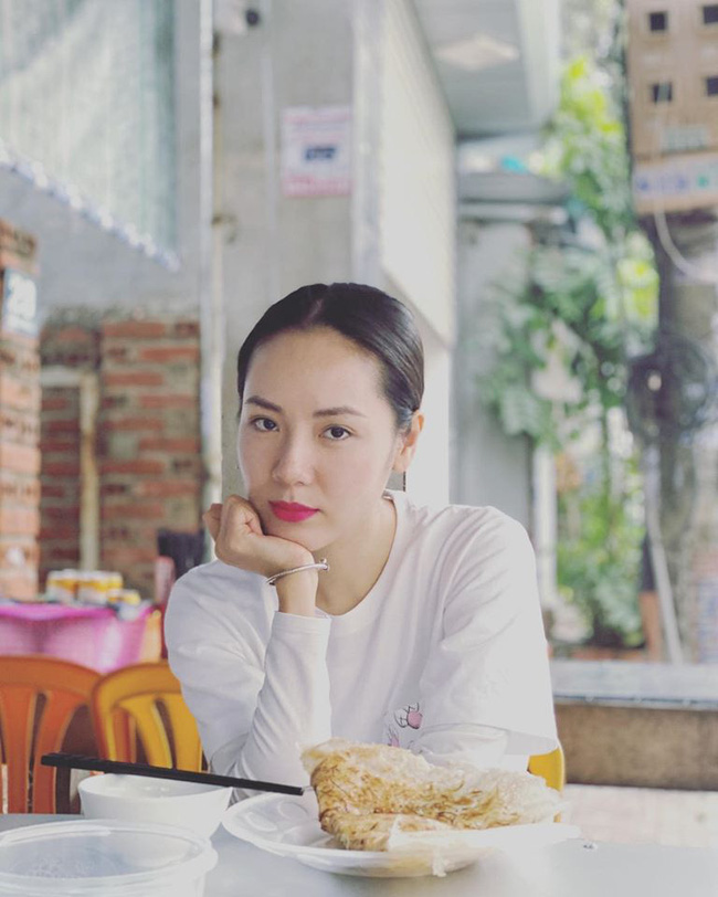 Soi nhất cử nhất động của sao Việt 23/1 - Ảnh 12.