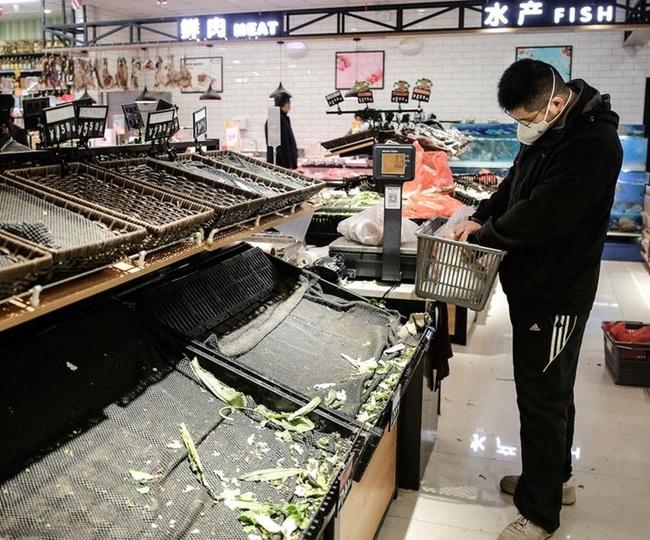 Ngày Tết ở tâm dịch Vũ Hán: Đón năm mới bằng vài quả trứng rán và cà chua cùng nỗi bức xúc không phải ai cũng thấu - Ảnh 4.