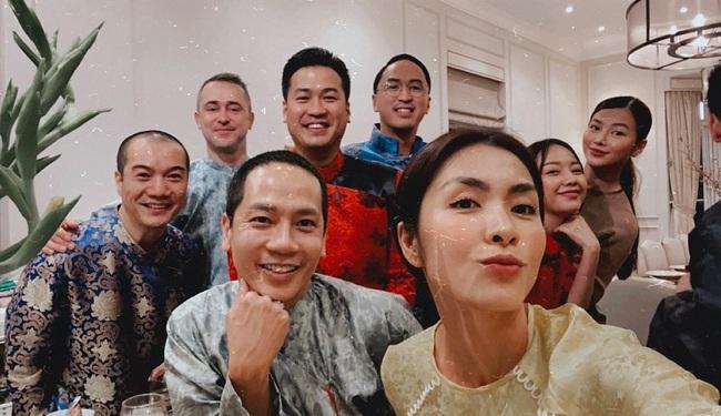 """Đội hình diện áo dài của hội bạn Hà Tăng đang long lanh hoành tráng thì bị lựa chọn lạc quẻ của Louis Nguyễn """"phá bĩnh"""" chút nhẹ - Ảnh 4."""