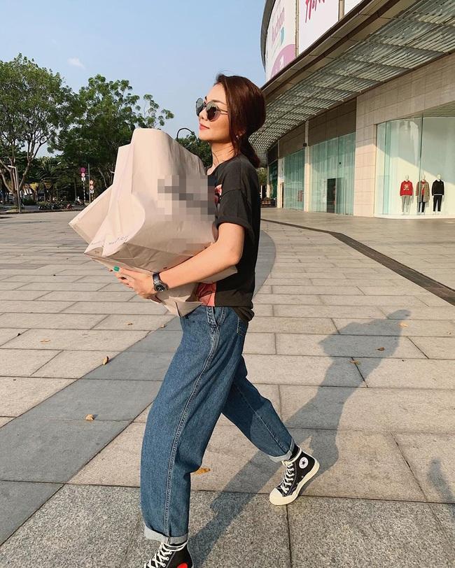 Dàn sao Việt rộn ràng ngày cận Tết Canh Tý: Người vẫn tất bật mua sắm, người lo lắng vì virus corona Trung Quốc - Ảnh 7.