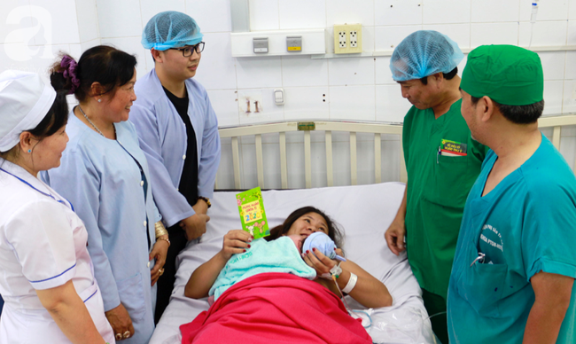 2 bé trai, 2 bé gái tại TP.HCM sinh đúng thời khắc đầu tiên của năm Canh Tý 2020 - Ảnh 10.