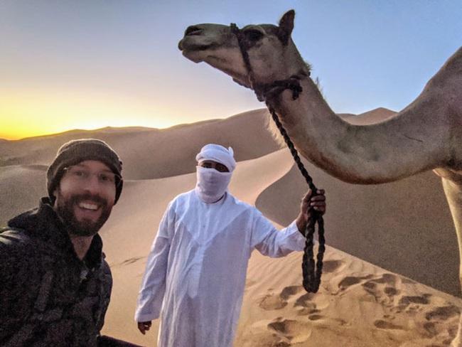 Nếu không có ảnh hậu trường, chắc chẳng ai tin khoảnh khắc Nhật thực kỳ diệu ở Dubai là có thực - Ảnh 4.