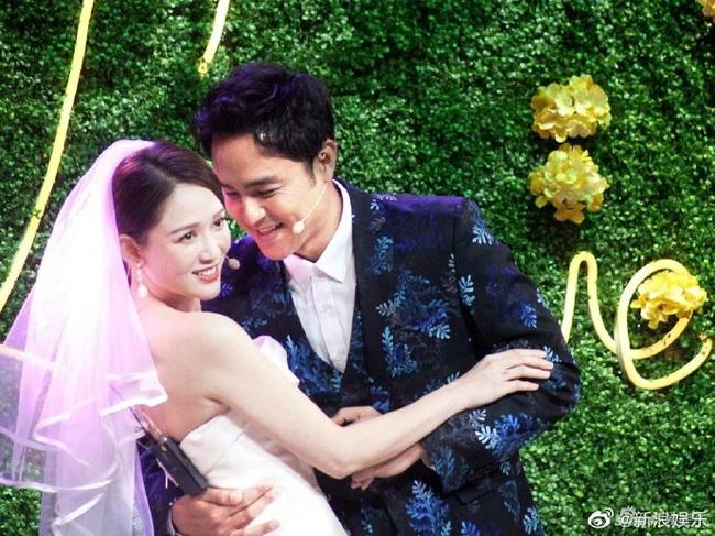 Bỏ rơi bạn trai phú nhị đại, Trần Kiều Ân diện váy cưới lộng lẫy sánh đôi với người tình một thời - Ảnh 8.