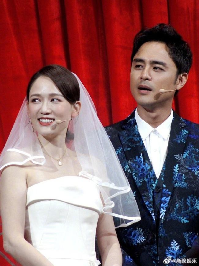 Bỏ rơi bạn trai phú nhị đại, Trần Kiều Ân diện váy cưới lộng lẫy sánh đôi với người tình một thời - Ảnh 5.