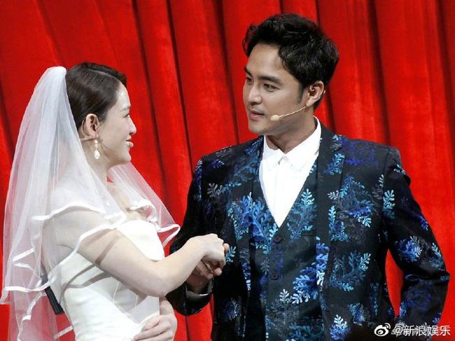 Bỏ rơi bạn trai phú nhị đại, Trần Kiều Ân diện váy cưới lộng lẫy sánh đôi với người tình một thời - Ảnh 6.