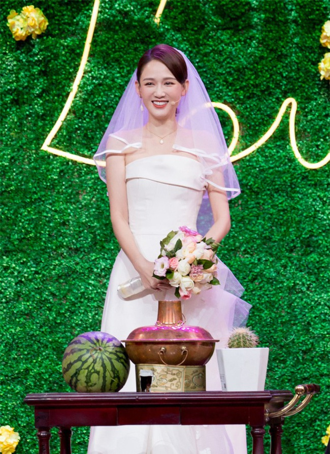Bỏ rơi bạn trai phú nhị đại, Trần Kiều Ân diện váy cưới lộng lẫy sánh đôi với người tình một thời - Ảnh 3.