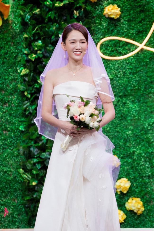Bỏ rơi bạn trai phú nhị đại, Trần Kiều Ân diện váy cưới lộng lẫy sánh đôi với người tình một thời - Ảnh 2.