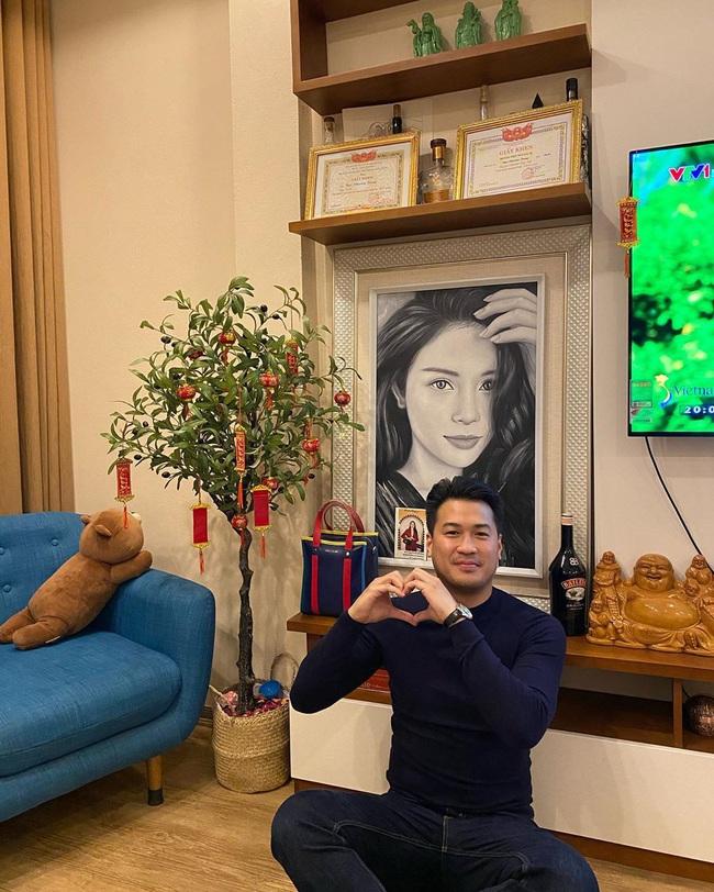 Phillip Nguyễn được Linh Rin mời đến nhà chơi Tết và đây là phản ứng của em chồng Hà Tăng  - Ảnh 2.