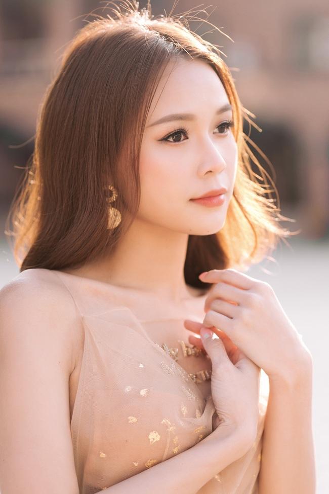 Dịch bệnh ám ảnh cả showbiz: Phim của Hoàng Yến Chibi hoãn chiếu, Bích Phương livestream thông báo dời show - Ảnh 7.