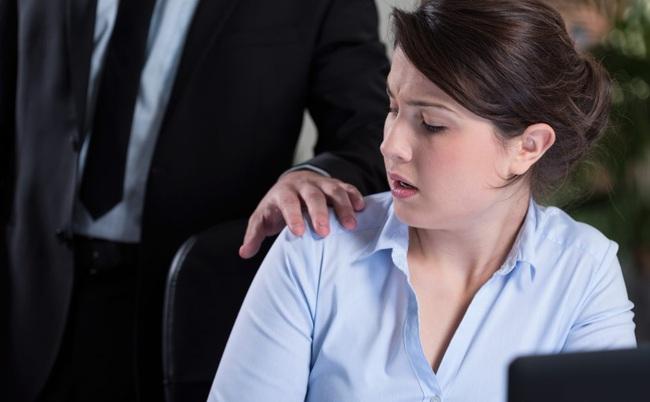 Điểm danh 5 kiểu người chốn công sở chị em cần tránh xa để phòng trừ sự lây lan dịch viêm phổi cấp Virus Corona - Ảnh 1.