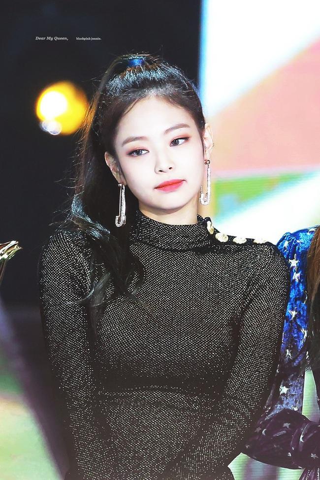 """Golden Disc Awards: Trãnh cãi Jennie (BLACKPINK), Taeyeon hụt cúp, """"em út"""" MAMAMOO nhận giải liệu có xứng đáng? - Ảnh 6."""