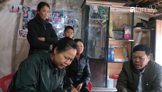 Người cháu họ nhận số tiền giúp bà Mị trang trải cuộc sống